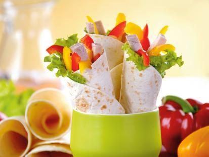 Tortilla: przepis na tortillę z kurczakiem i 13 innych