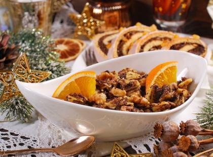 Tradycyjne kluski z makiem nie muszą być nudne! Podpowiadamy, jak zrobić do nich najlepszy makaron!