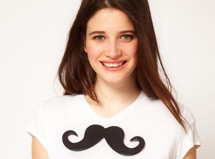 Trend na ubrania i dodatki z wąsami!