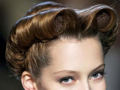 Trendy fryzury 2012: Nieźle zakręcone