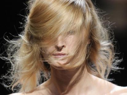 Trendy fryzury 2012: Włosy w nieładzie