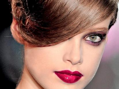 Trendy makijaż: Zabawa kolorem