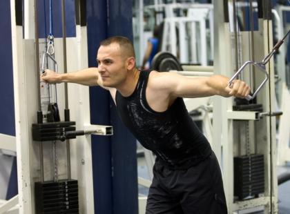 Trening dla osoby z szybką przemianą materii w okresie budowania masy mięśniowej