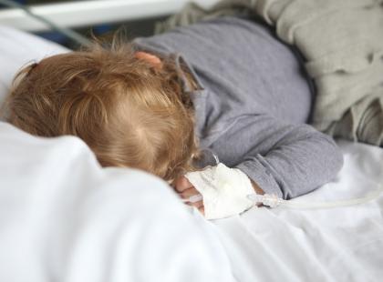 Trzymiesięczny chłopiec trafił do szpitala po pobiciu przez ojca
