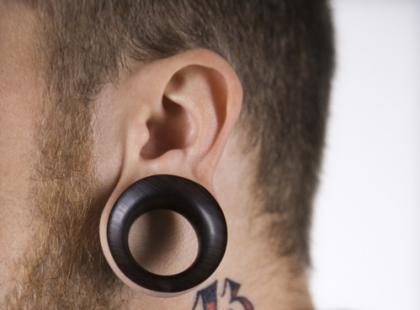 Tunele w uszach – jak je zrobić?