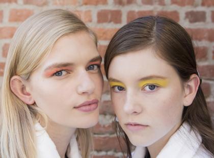 Twój makijaż stał się nudny? Koniecznie po nie sięgnij!