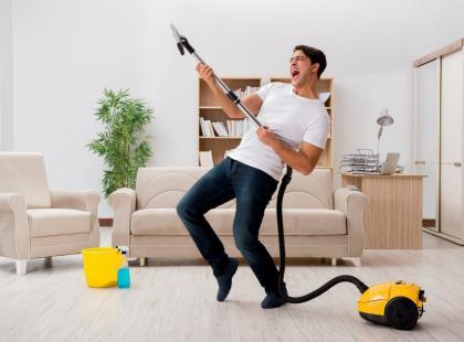 Twój mężczyzna nie angażuje się w prace domowe? Możesz to zmienić!
