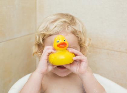 Twoje dziecko ma w łazience taką zabawkę? Uważaj! To siedlisko groźnych bakterii
