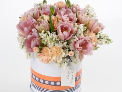 Twojej mamie na pewno się spodoba! Jak zrobić flowerbox na Dzień Matki krok po kroku?