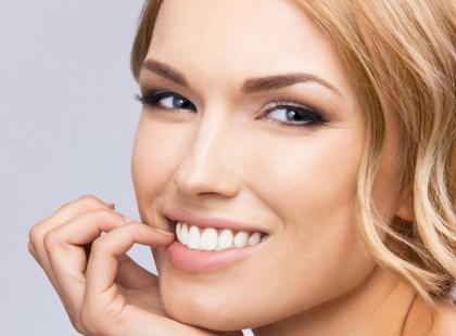 Ty też w to wierzysz?! 7 mitów o wybielaniu zębów