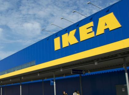 Tylko dla mężczyzn? IKEA wypuściła katalog bez zdjęć kobiet, z samymi mężczyznami. Jest afera, a jak tłumaczą się Szwedzi?