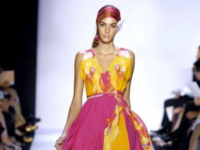 Ubrania malowane w storczyki