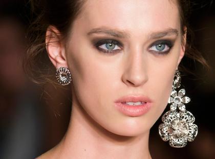 Unikasz makijażu z powodu podrażnień? Te kosmetyki stworzono dla ciebie!