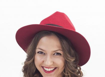 Upięcie pod kapelusz w stylu fedora