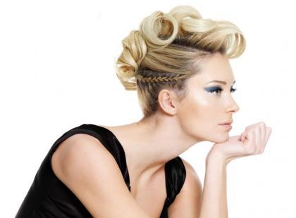 Upięcie sylwestrowe dla długich włosów