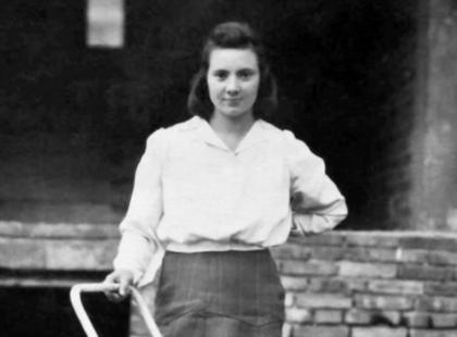 """""""Urodziłam syna, Stanisława. Nie wybrał sobie najlepszego momentu... Była bowiem pierwsza po południu 1 sierpnia 1944 roku"""""""