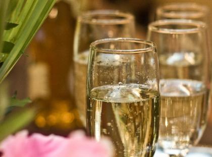 Urodzinowe świeczki i przyśpiewki – najważniejsze urodzinowe zwyczaje