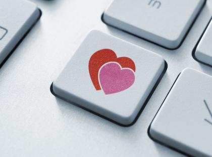 Uroki wirtualnego seksu w związkach na odległość