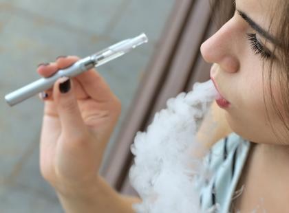 Uwaga, zmiany! Od 8 września za palenie e-papierosów grozi mandat