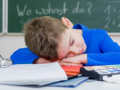 Uważaj! Zbyt duża ilość zajęć pozalekcyjnych może spowodować depresję u dziecka!