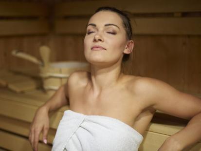 Uwielbiasz saunę? Sprawdź, czy możesz korzystać z niej w ciąży