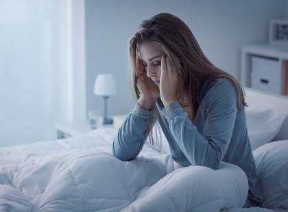 """""""Uzależniają"""", """"powodują senność"""", """"są niebezpieczne dla zdrowia""""? Obalamy mity na temat leków przeciwdepresyjnych"""