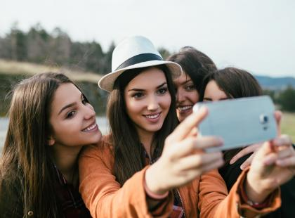 Użytkownicy Snapchata – narcystyczna młodzież czy siecioholicy? Przeczytaj, kim są twoje dzieci