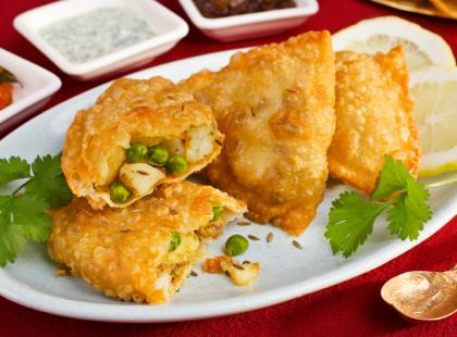 Veg Samosa - smażone pierożki wegetariańskie