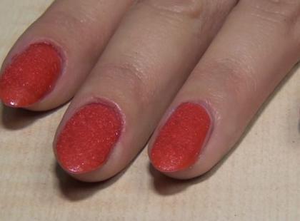 Velvet manicure czyli najmodniejsze paznokcie na jesień