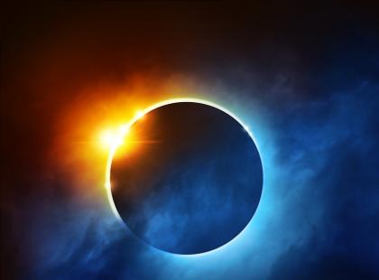 W ciągu dnia zapadnie ciemność. Kiedy i gdzie zobaczymy całkowite zaćmienie Słońca?