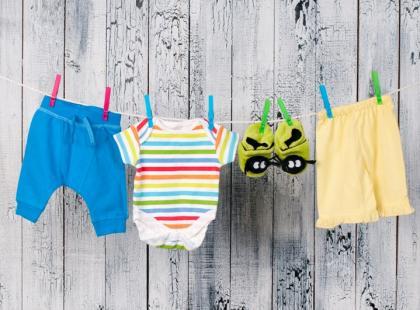 W czym uprać dziecięce ubranka?