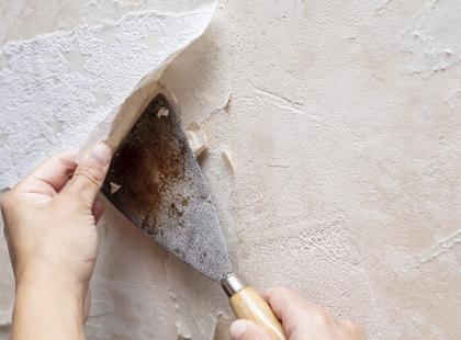 W jaki sposób usunąć starą tapetę? Zrób to szybko i sprawnie!