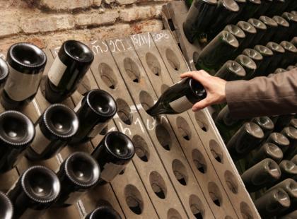 W jakiej temperaturze podawać poszczególne gatunki win?