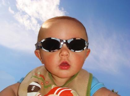 W kostiumie czy bez – o dziecięcym stroju na plażę