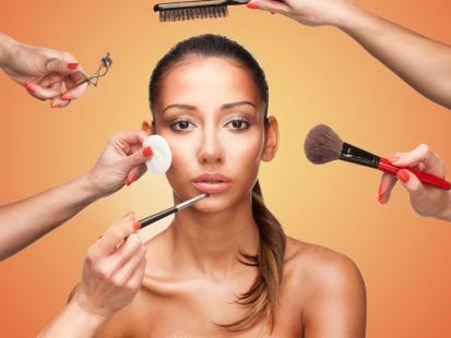 W makijażu czy bez? Dowiedz się, jak ćwiczyć!