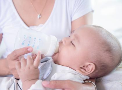 W mleku dla dzieci znanej firmy odkryto salmonellę! Które partie są skażone?