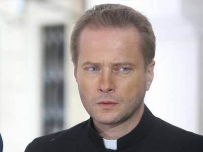 W telewizji rządzą księża