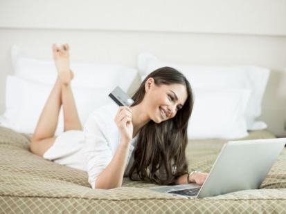 Wady i zalety kupowania kosmetyków w sieci!
