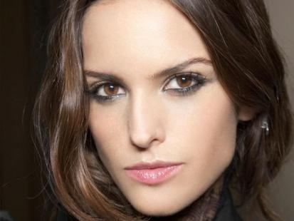 Walentynki - Zmysłowy makijaż dla brunetki