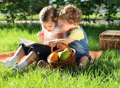 Warszawa - piknik dla dzieci i rodziców na Polach Mokotowskich
