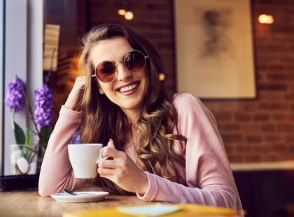 Warszawska kawiarnia oferuje do kawy… kobiece mleko