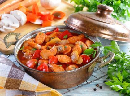 Warzywny gulasz rodem z Węgier - sprawdź nasze przepisy na leczo