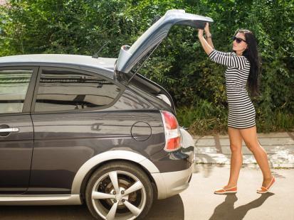 WAŻNE! Wyposaż auto w te rzeczy albo licz się z wysokim mandatem