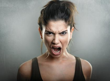 Wciąż się złościsz, jesteś rozdrażniona i krzyczysz? To może być objaw poważnej choroby!