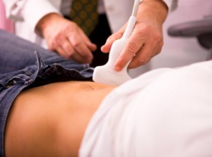 Wczesna ciąża a ból brzucha
