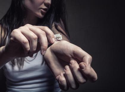 Widzisz na facebooku wpisy o planowanym samobójstwie? Zareaguj! W większości przypadków to nie jest tylko czarny żart