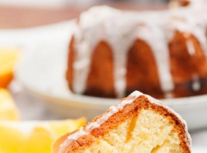 Wielkanocna babka pomarańczowo-kokosowa