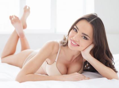 Wiemy, dlaczego mężczyźni kochają kobiece piersi!