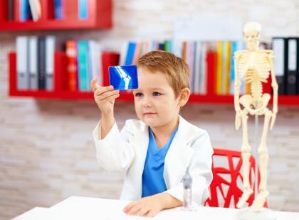 Wiemy, jak zadbać o mocne kości u dziecka