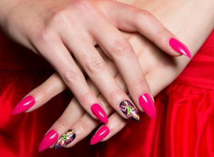 Wiemy, jakie kolory paznokci będą modne wiosną 2018!